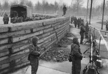 Спорудження Берлінської стіни