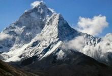 Джомолунгм (Еверест) – «володар неба»