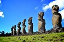 Кам'яні статуї на острові Пасхи