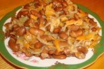 Квасоля, тушкована з овочами