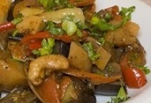Овочеве рагу з курячими стегенцями