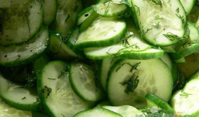 Салат з огірків по-закарпатськи