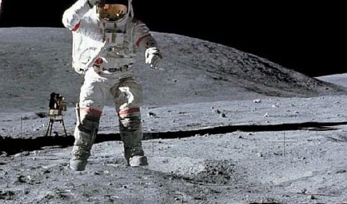 Скільки важить людина на Місяці?