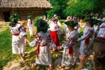 Українські обрядові танці