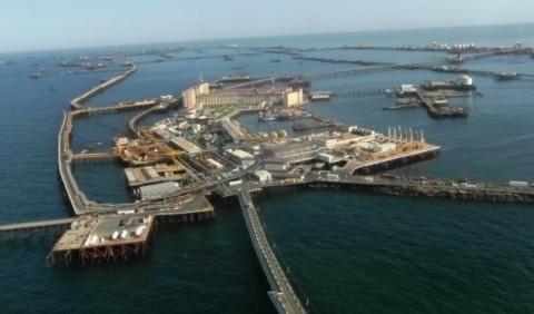 Нафтові Камені – місто над морем